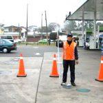Clausuras y multas para estaciones que le detecten agua en los tanques