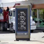 Reclaman se derogue la ley que exime de impuestos a los combustibles al centro y sur del país