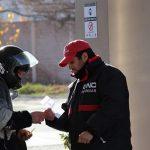 Buenos Aires: Prohibirán cargar a motociclistas sin casco y chaleco y las Estaciones deberán colocar carteles alusivos
