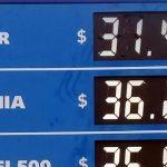 Por los aumentos de precios, crece la venta de nafta súper y cae la de Premium
