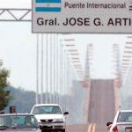 Baja la nafta en estaciones uruguayas limítrofes con Brasil y Argentina