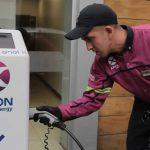 AXION energy inauguró su primer surtidor de carga eléctrica gratuita para autos