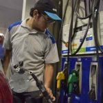 El Gobierno desdobló el Impuesto a los combustibles