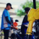 Exhortan a que el gobierno aplique congelamiento y pesificación del precio de los combustibles