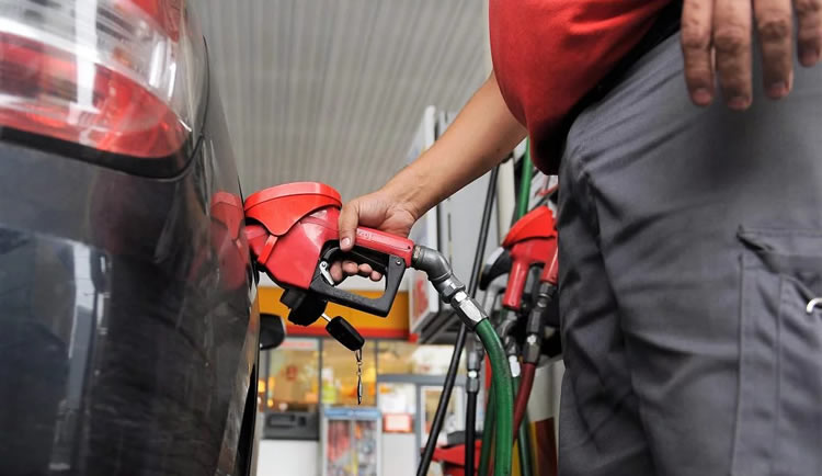 Vuelve a caer el consumo de combustibles en las Estaciones de Servicio