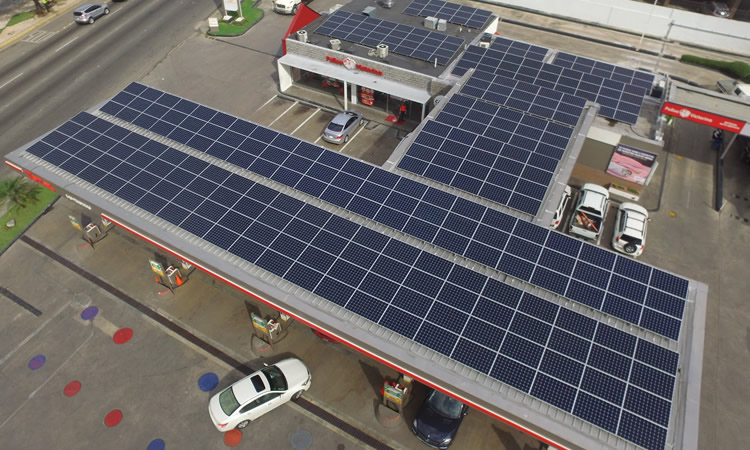 Destacan el potencial de las Estaciones de Servicio para utilizar y vender energía solar