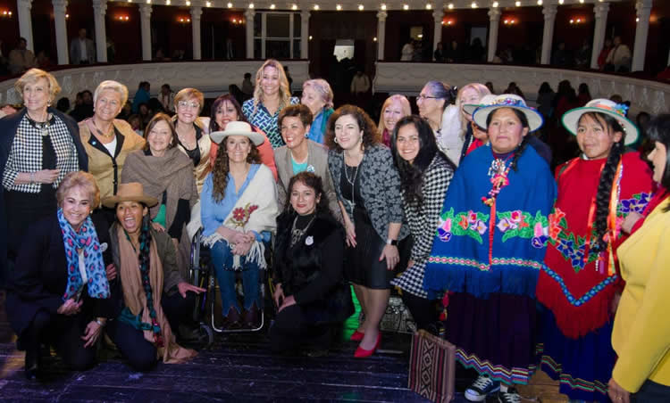 Mujeres expendedoras participaron de un encuentro de empresarias