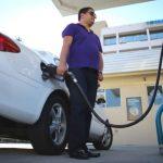 El Senado debatirá la prohibición del autoservicio de combustibles