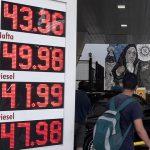 Economistas advierten por las consecuencias del aumento de los precios de las naftas
