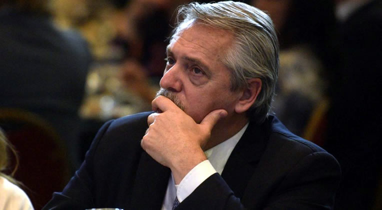 """Precios """"accesibles"""" y unificados en todo el país: El plan de Alberto Fernández para los combustibles"""