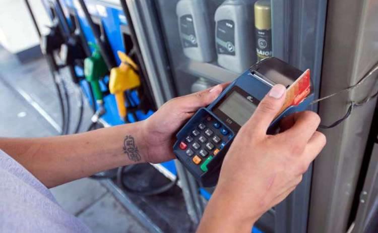 Estacioneros exigen ser incluidos en la nueva rebaja de las comisiones de las tarjetas de Crédito y Débito
