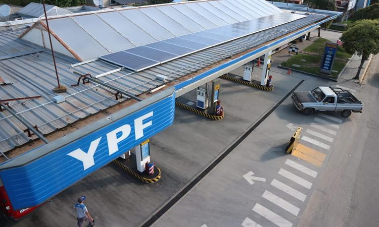 Paneles Solares: Aconsejan a los estacioneros llevar adelante un estudio previo sobre una correcta gestión energética del negocio