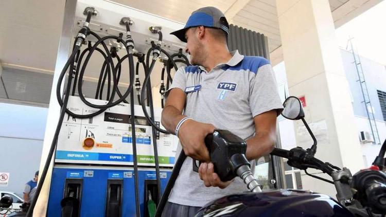 Combustibles: Aumentó un impuesto pero no tendrá incidencia en el precio final