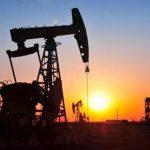 Se desploma el precio del petróleo ¿Pueden bajar las naftas en Argentina?