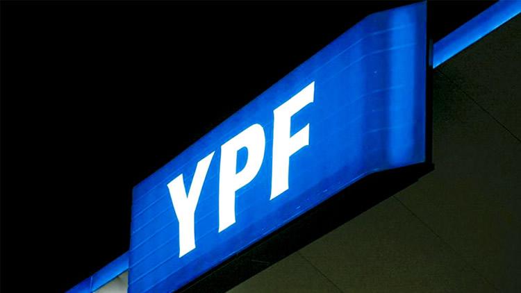 FORTUNA: YPF produce menos nafta por la caída del consumo