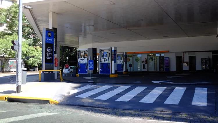 El Coronavirus frenó la recuperación del mercado de combustibles
