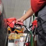 Empresarios del sector de combustibles angustiados por el freno a los precios