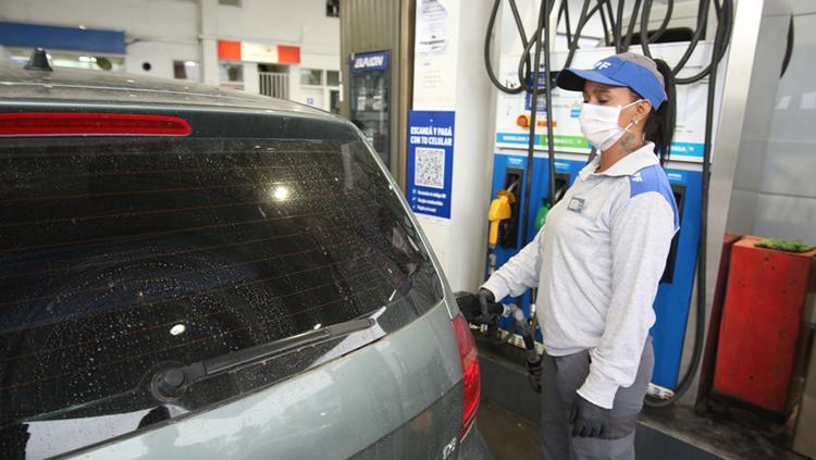 Combustible gratis: YPF advierte acerca de una campaña que circula por las redes