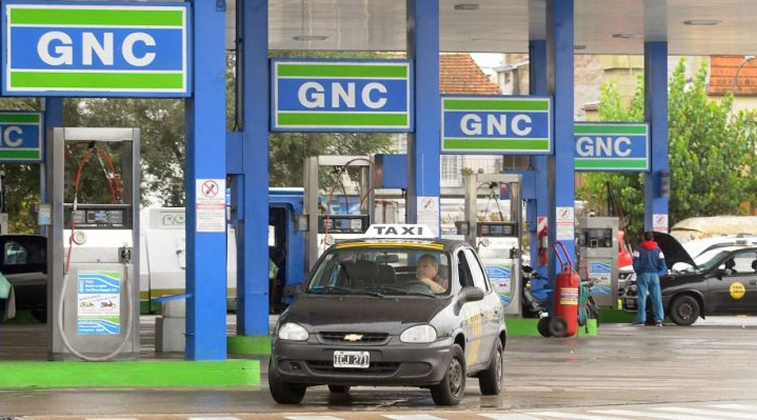 Expendedores de GNC insisten ante las distribuidoras por cargos fijos e intereses por atrasos en el pago de las facturas