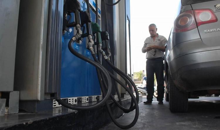 Expendedores en alerta y a la espera de respuestas de las petroleras