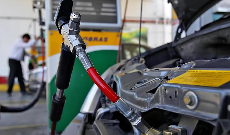 Expendedores de GNC exigirán ser incluidos entre los beneficiados por el Plan Gas