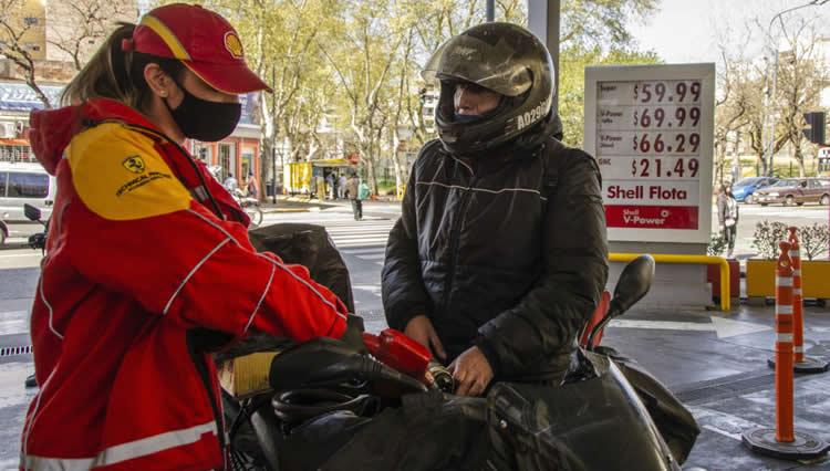 Petroleras advierten mayores costos asociados a la pandemia que se suman al impacto en la caída de ventas