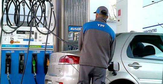 YPF lanza un original sistema de precompra de combustible: 15% de descuento y saldo que se actualiza ante aumentos