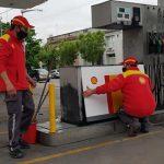La Federación de Entidades de Combustibles acordó con el sindicato la suspensión de personal con goce de sueldo