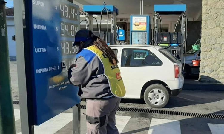 Aumentó una de las variables que determina el precio de los combustibles