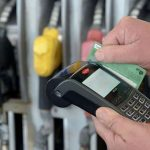 Estaciones de Servicio cobrarán las ventas con tarjetas de débito en forma inmediata