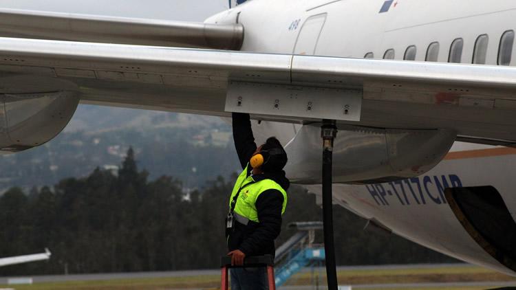 """La brecha entre planta de ANCAP y """"el ala"""" del avión  encarece el combustible JET A1"""