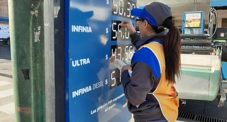 Por la suba de los biocombustibles, aumenta 3 por ciento el precio de la nafta y el gasoil