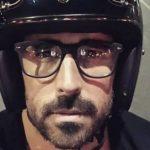 Fuertes multas y hasta clausura de 10 días por cargar a motociclistas sin casco ni chaleco con identificación