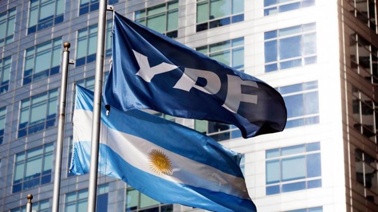 Alivio entre los estacioneros por el arreglo parcial de la deuda de YPF