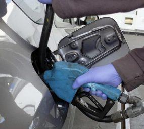 """Piden que el Congreso declare """"trabajo insalubre"""" al expendio de combustibles"""