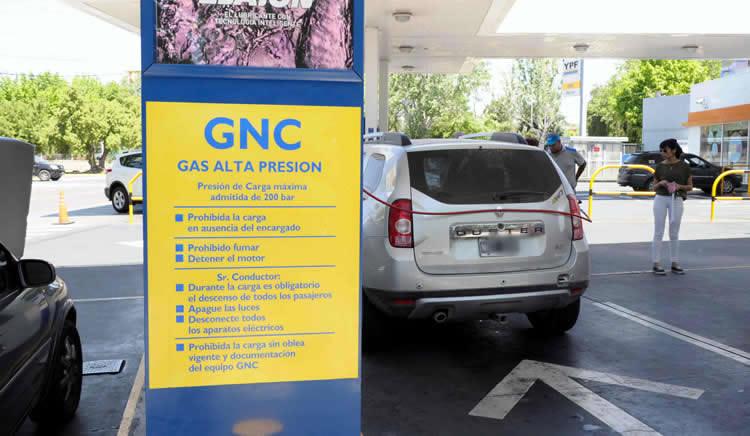 Estacioneros del interior del país responsabilizan al Gobierno y a las petroleras por el inminente desabastecimiento de GNC