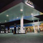 Aseguran que las nuevas restricciones reducirán los despachos de combustibles hasta un 40 por ciento