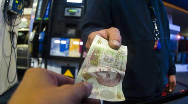 ¿Qué sucederá con el precio de los combustibles en Uruguay?