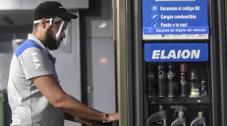 Postergan hasta fin de año el aumento al impuesto a los combustibles