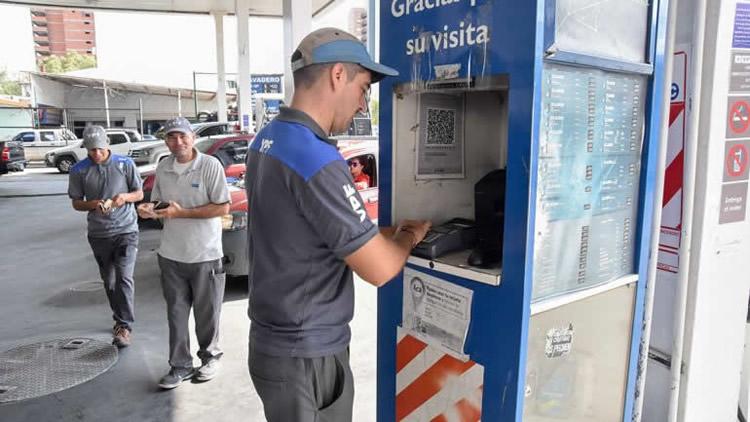 Estacioneros advierten que el nuevo plazo de acreditación de operaciones con tarjeta es insuficiente para el sector