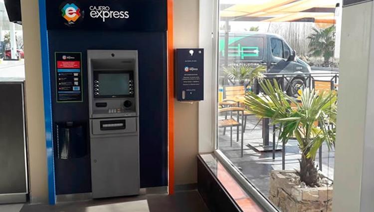 Cajero Express: mejoras en el acuerdo para operadores de YPF