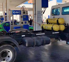 Estacioneros demandan mayor velocidad en la reglamentación del sistema de carga de gas al transporte pesado