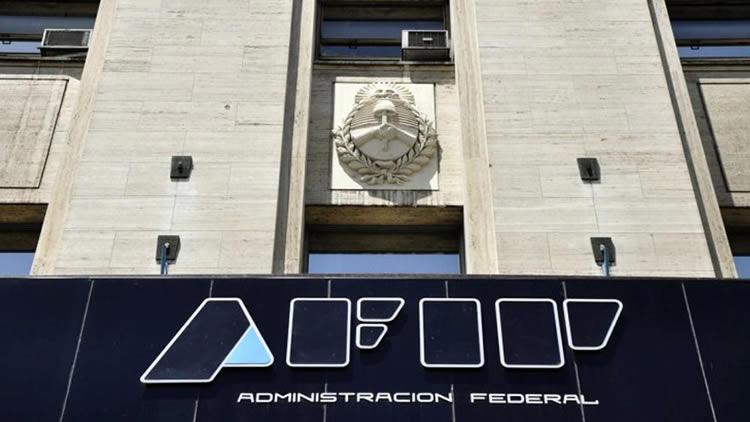 Para acceder a préstamos oficiales: Ofrecen asesoramiento tributario a Estaciones de Servicio