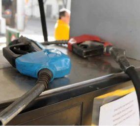 Faltantes de combustibles: Estacioneros blancos presentaron un reclamo a la Secretaría de Comercio