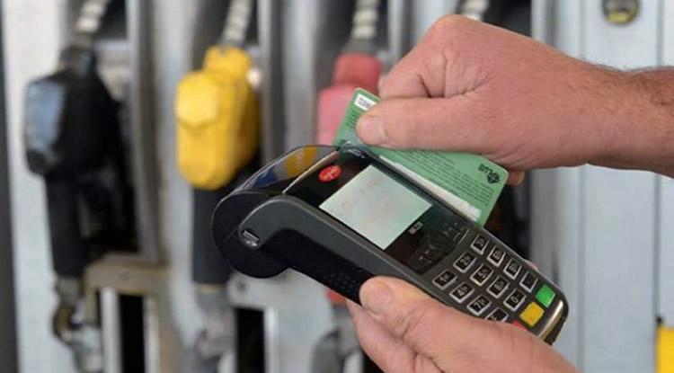 Estacioneros de Maldonado exigen cambios en los aranceles que cobran las tarjetas
